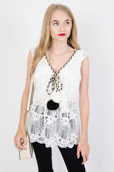 b6a797f1ac Biała koronkowa bluzka z białym i czarnym pomponem