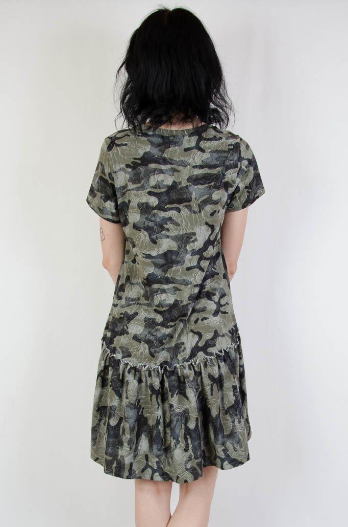 8120952db5 ... Asymetryczna sukienka moro z rozkloszowanym dołem ...