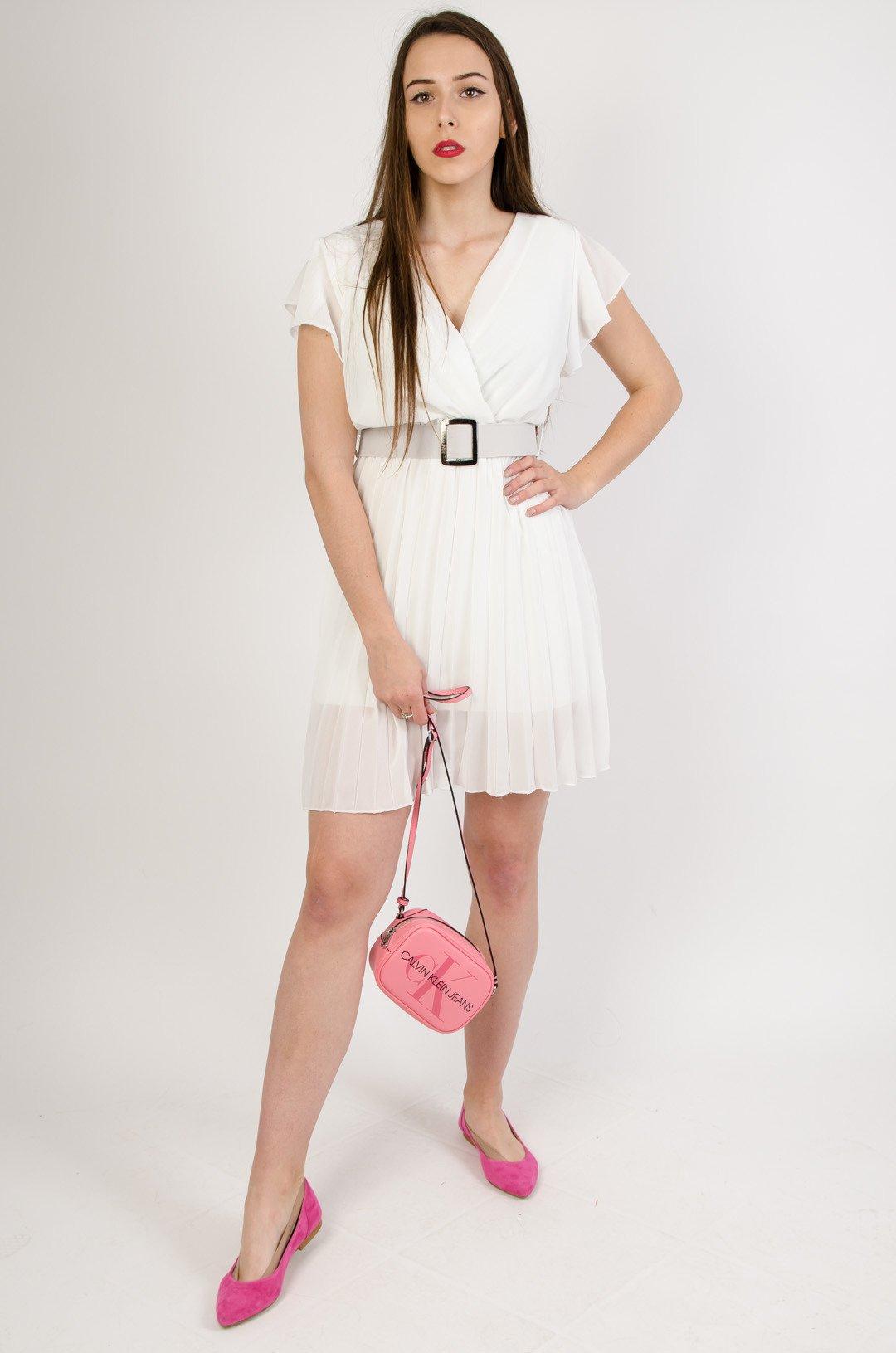 e914361e0e21d0 Biała plisowana sukienka z paskiem | NOWOŚCI KOLEKCJA \ Sukienki - Olika
