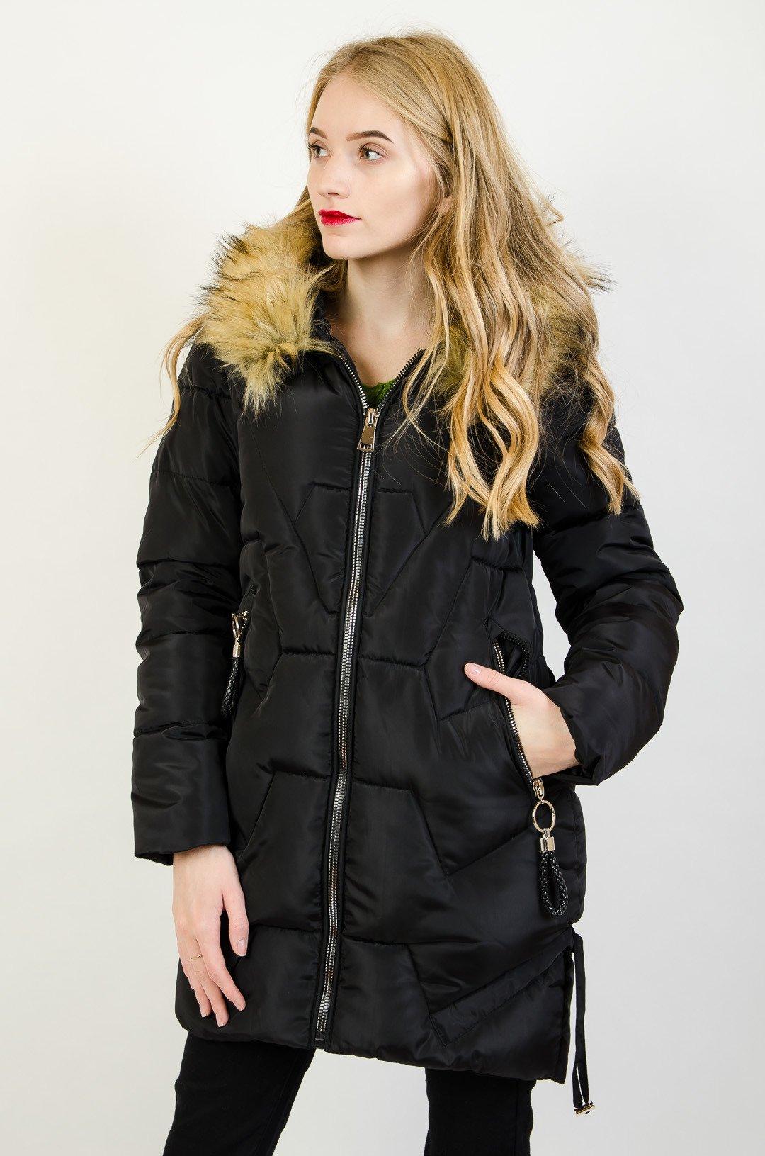 Czarna pikowana kurtka ze srebrnymi zamkami
