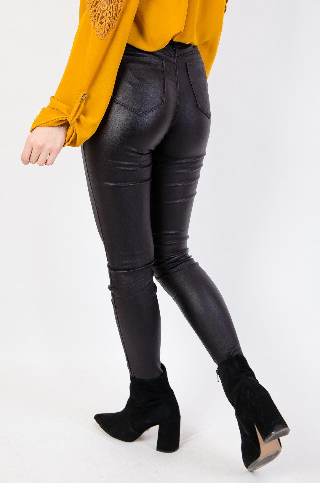9b0ab44d32f378 Czarne spodnie skórkowe typu push up | NOWOŚCI KOLEKCJA \ Spodnie ...