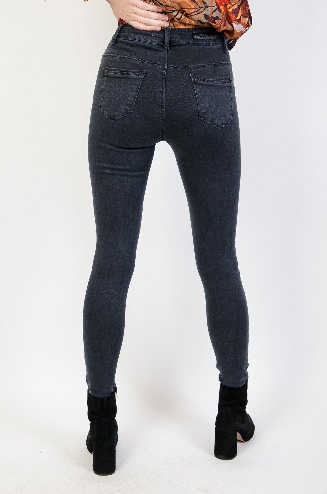 d917086a0dbf35 Grafitowe spodnie jeansowe super skinny; Grafitowe spodnie jeansowe super  skinny ...