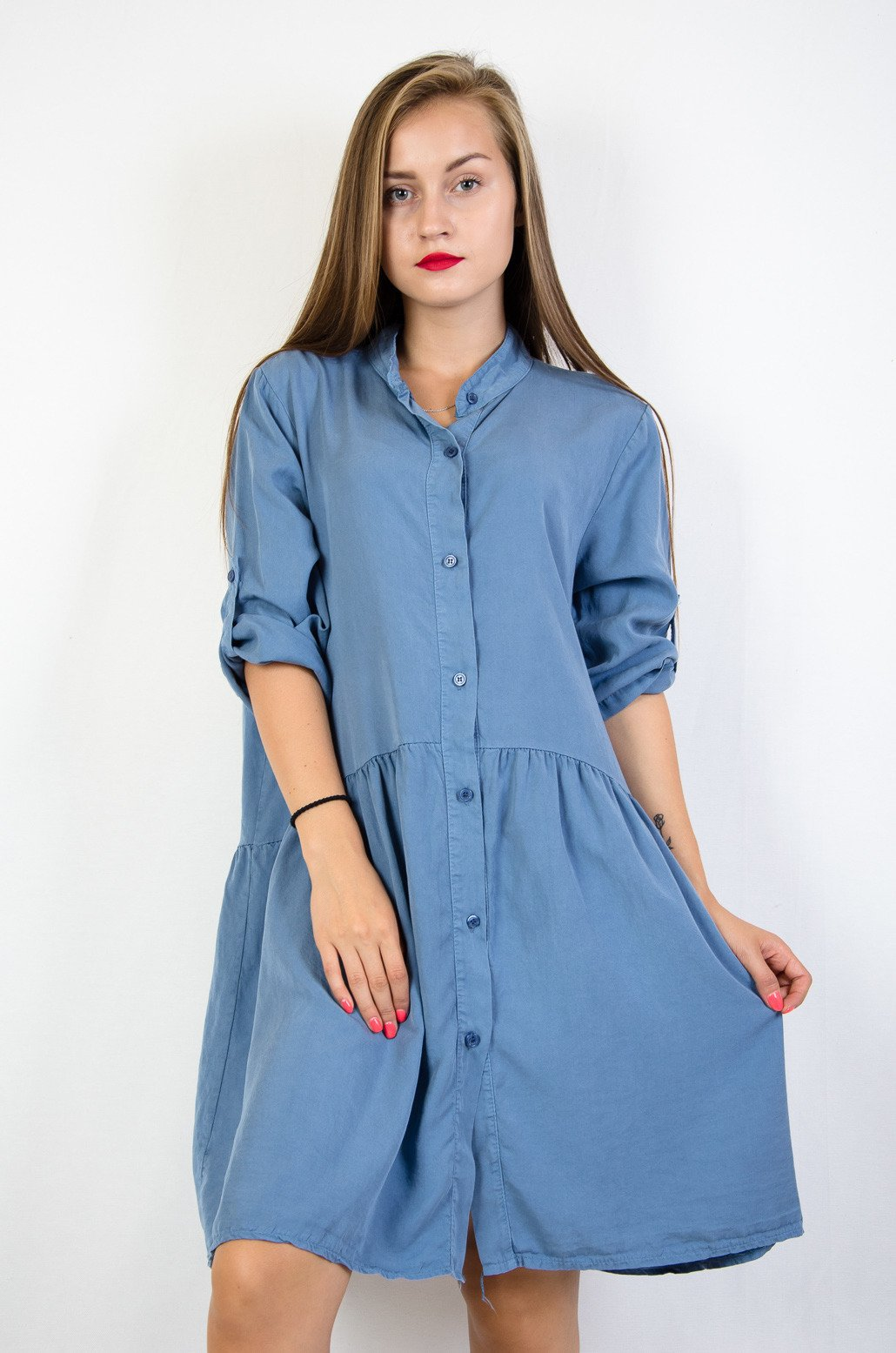 76d7853c Niebieska luźna sukienka zapinana na guziki