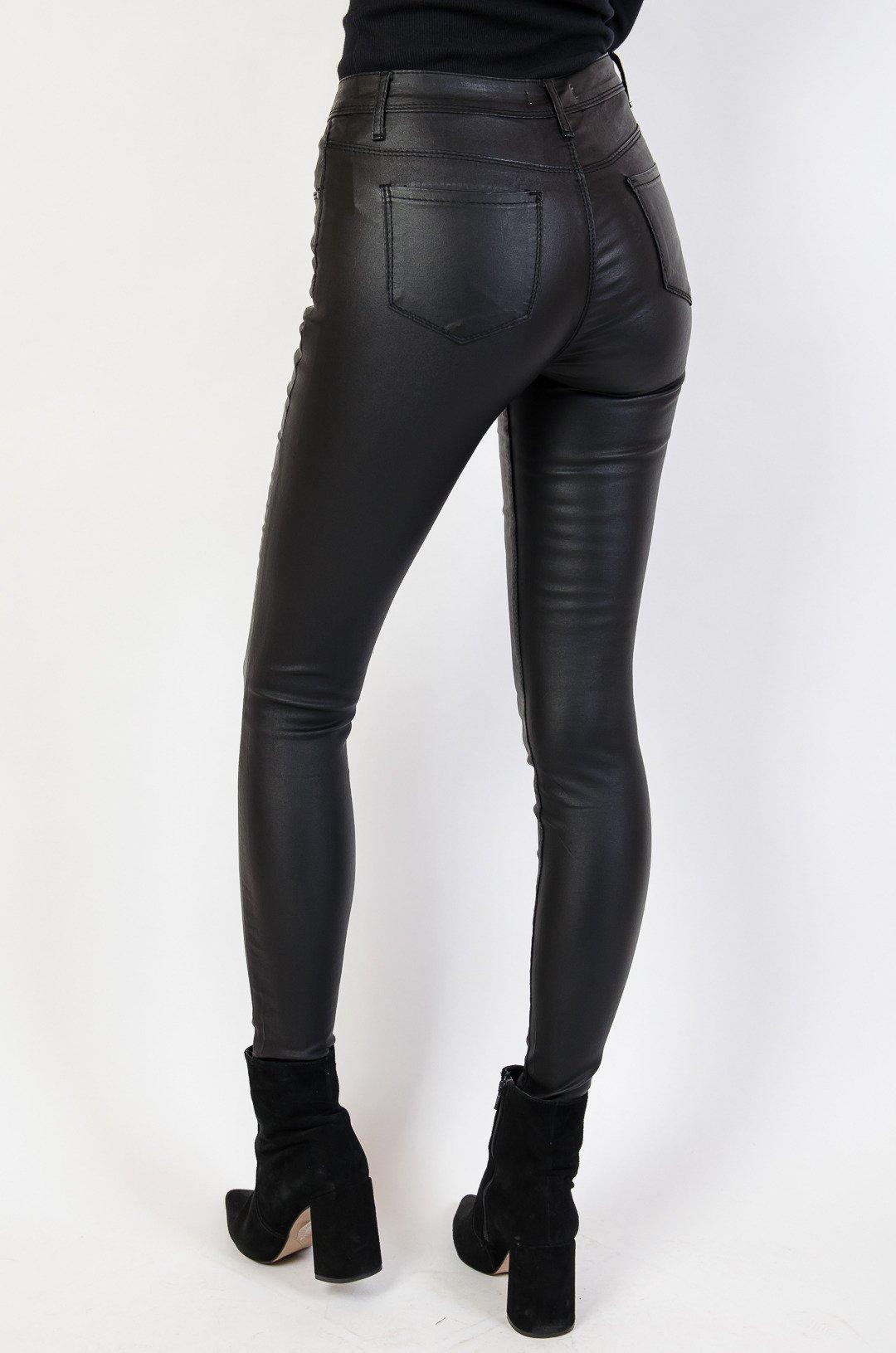 81ee6499 Spodnie skórkowe w kolorze czarnym