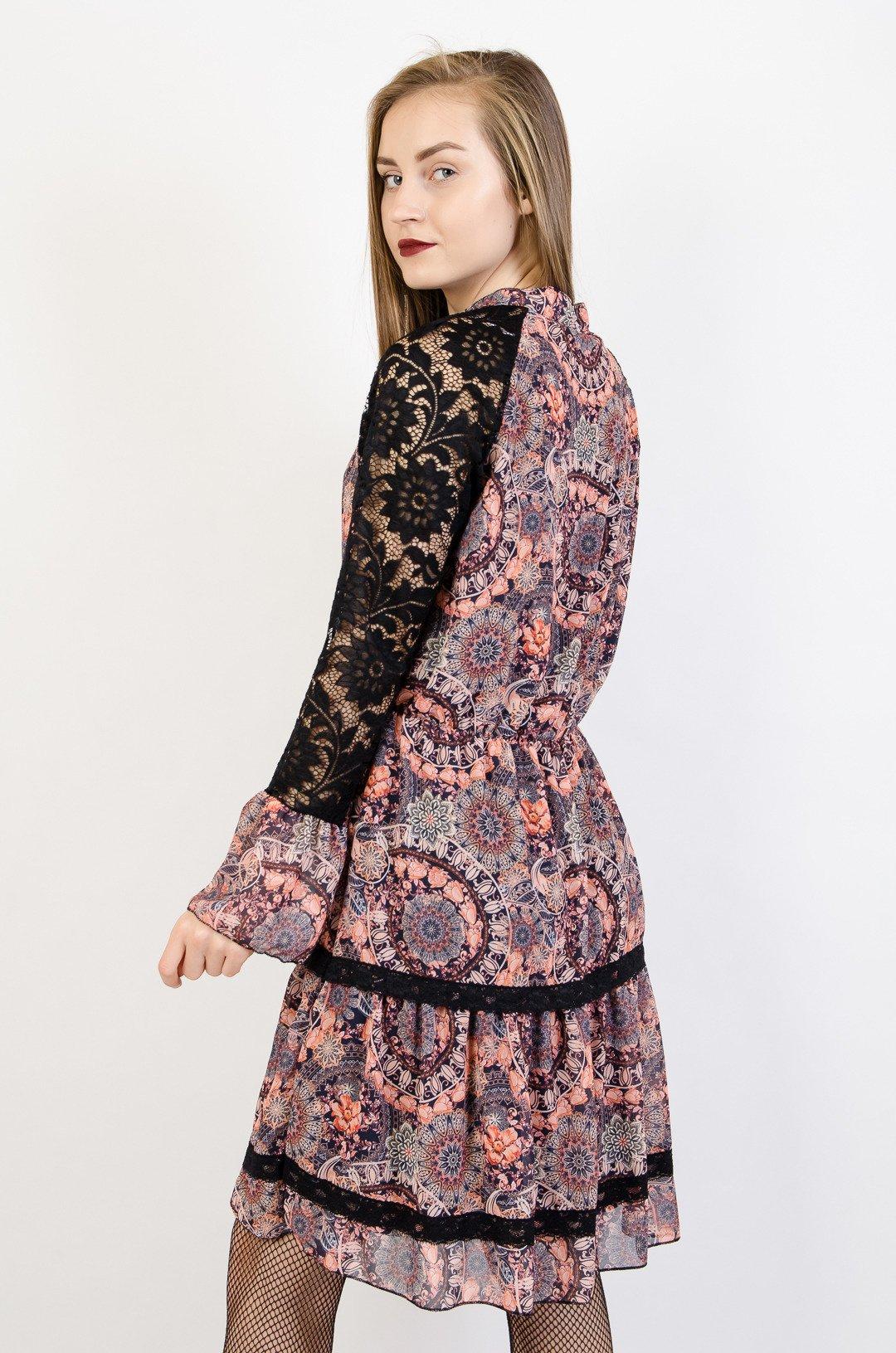 bd3a85f414 Wzorzysta sukienka z koronkowymi rękawami  Wzorzysta sukienka z koronkowymi  rękawami ...