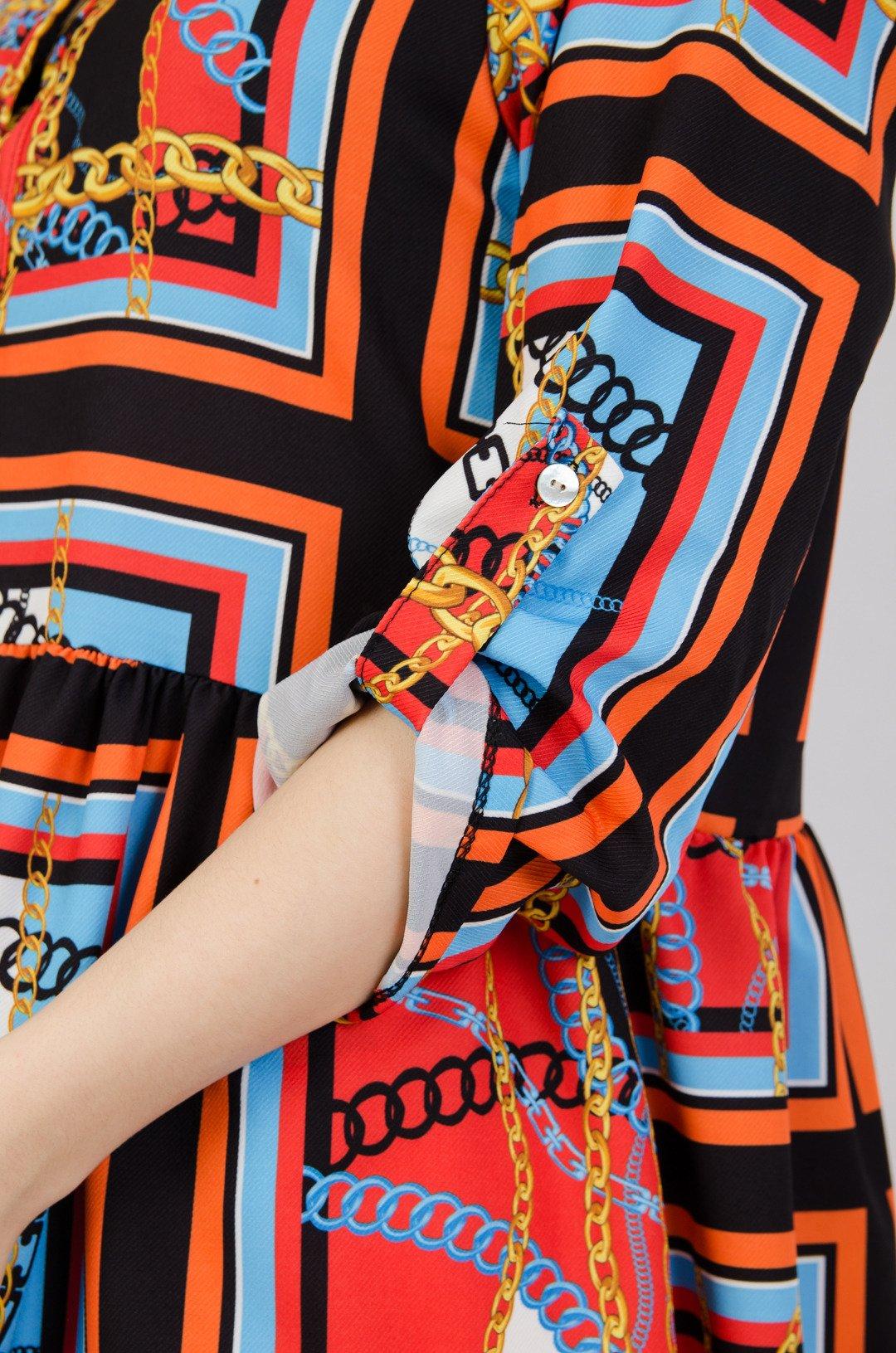 0d81d04ec6 ... Wzorzysta sukienka zapinana na guziki ...