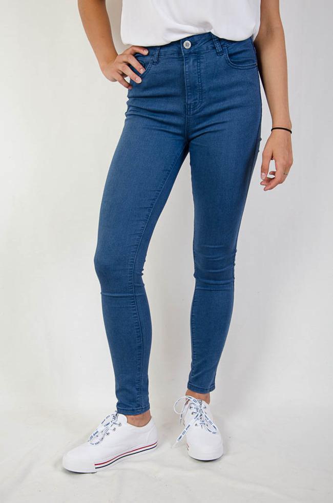 afcd456541 (DUŻE ROZMIARY) Niebieskie spodnie rurki jeansowe
