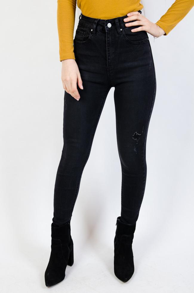 db82918ee3e024 Spodnie jeansowe damskie: z dziurami, przetarciami, z wysokim stanem ...