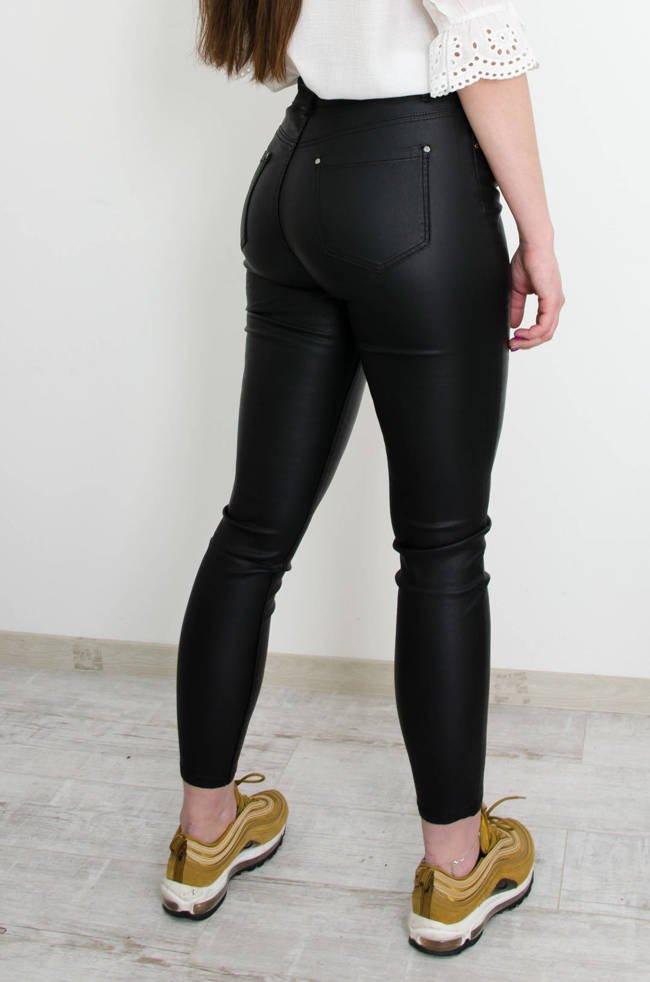 Spodnie damskie z wysokim stanem, tanie: czarne, jeansy