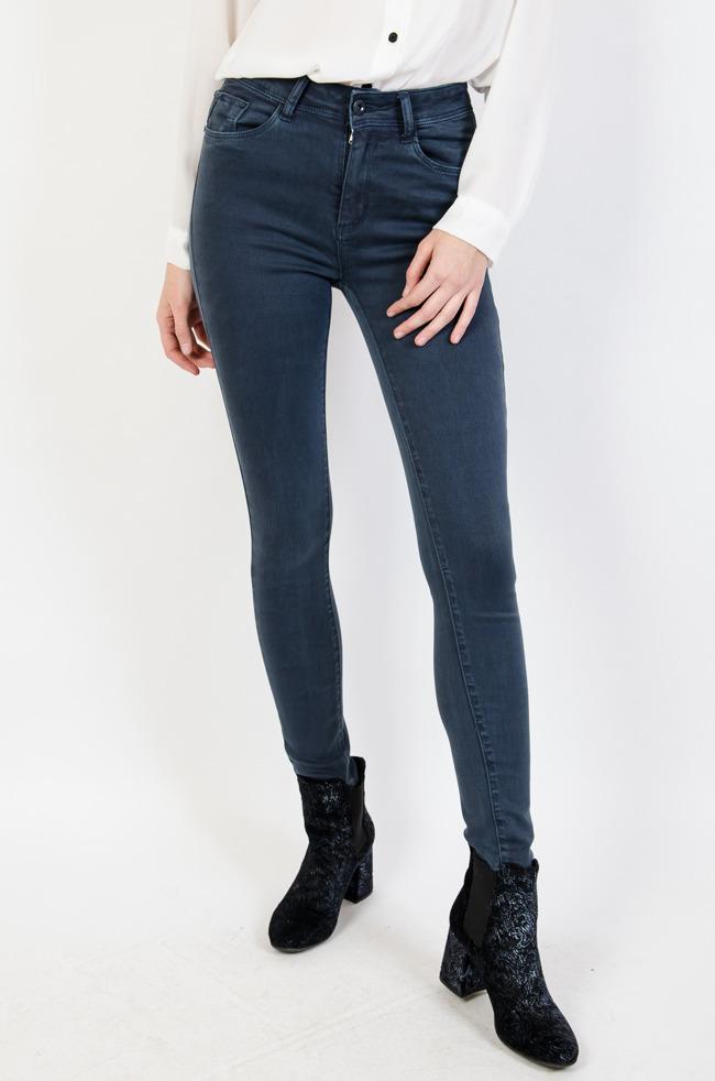 132743c5 Spodnie jeansowe damskie: z dziurami, przetarciami, z wysokim stanem ...